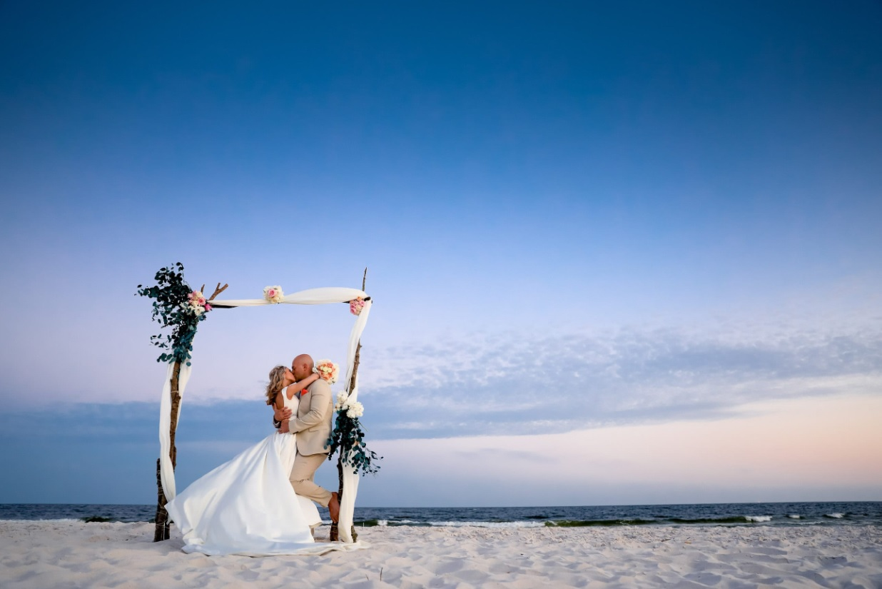 Top 10 Engagement And Wedding Photographers - Florida